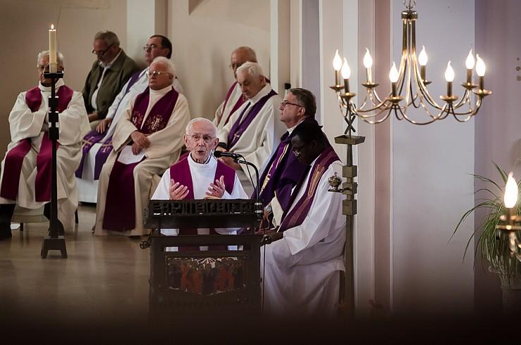 enterrement curé Nicolas Hesse Hochwald Freyming - photographe Boris Patzek-09.jpg