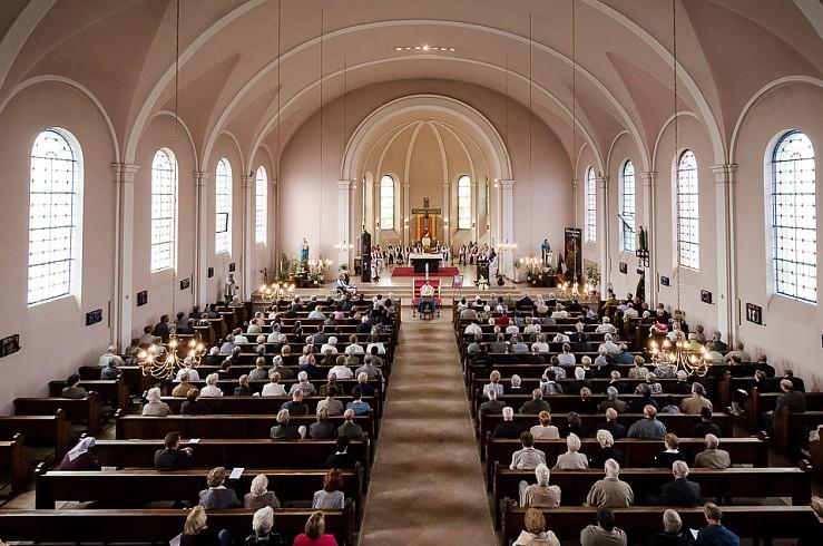 enterrement curé Nicolas Hesse Hochwald Freyming - photographe Boris Patzek-10.jpg