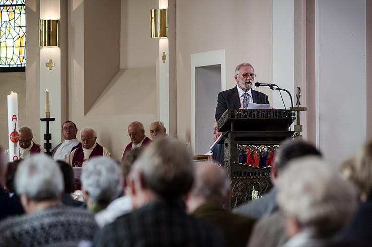 enterrement curé Nicolas Hesse Hochwald Freyming - photographe Boris Patzek-17.jpg